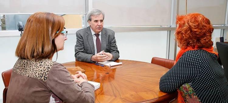 Los trabajadores sociales defienden una mayor presencia como mediadores en los procesos judiciales